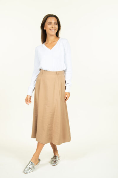 Effen beige rok more than that