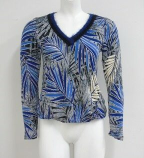 Shirt met mooi afgewerkte v-hals batida