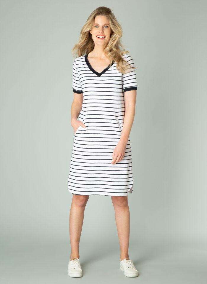 Fijngebreid kleedje